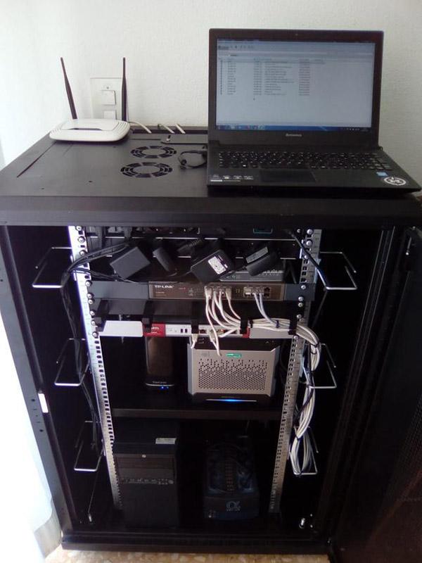 Montaje de servidores racks redes